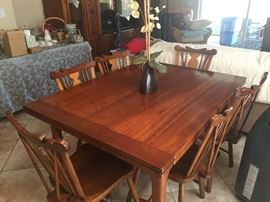 Stickley dining room set, opens to seat 8 people