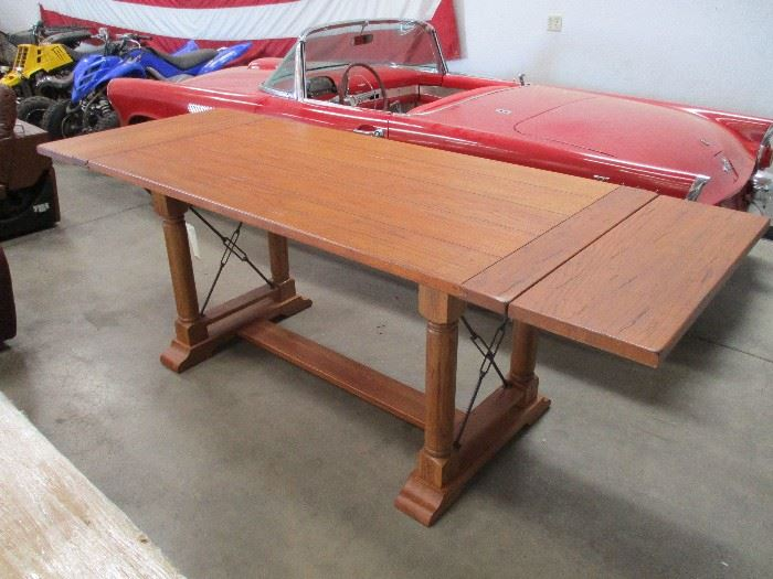 Roomstore household furniture online auction starts on 9 for Room store furniture