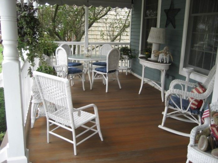 White Wicker Porch Furniture (35 pieces in all))
