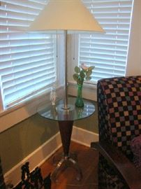 Floor lamp table