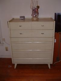 Nice mid century chest of drawers by Mengel furniture