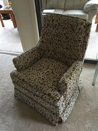Nice sitting chair (1 of 2)