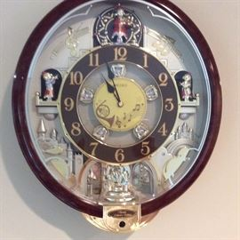 Beautiful chiming Seiko wall clock