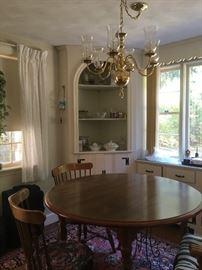 Early American table w/5 chairs