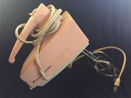 Vintage Pink Kenmore Hand Mixer.....works!