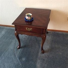 Ethan Allen sofa table