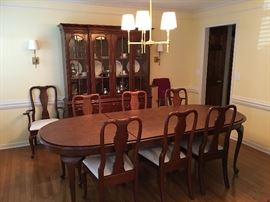 Knob Creek Queen Anne Dining Table and Chairs plus China Cabinet Hutch