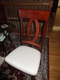 CHAIR TO DINING ROOM TABLE