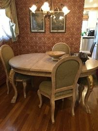 Nice light wood French country style dining table with leaves & chairs