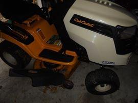 Cub Cadet LTX1040 Lawn Mower