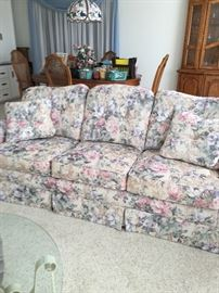 Floral n Roses gorgeous couch