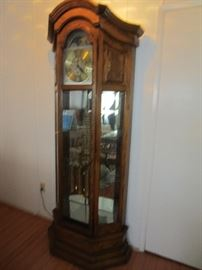 Howard Miller curio clock