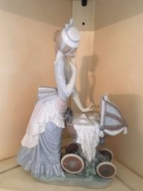 Large Lladro figurine in great condition.