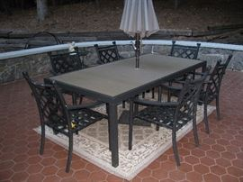 New outdoor table with6 chairs and umbrella