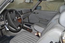 interior 1982 Mercedes 380Si