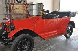 1915 Horseless Carriage