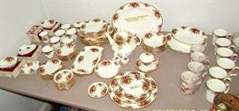 Royal Albert Old Country Rose - large collection