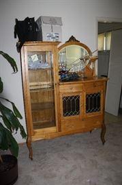 Beautiful antique oak curio cabinet!!  Just gorgeous