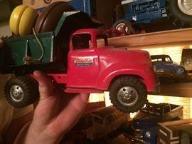Buddly L truck with a load of yo yo's.