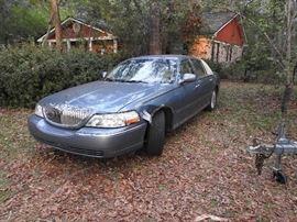 2003 Lincoln Town Car $5,500 or Highest Bid