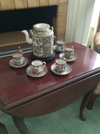 Tea time with Famille Rose