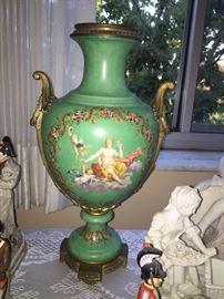 Large antique porcelain/vase urn with no lid