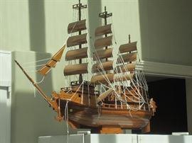 Large model boat over 3' in length