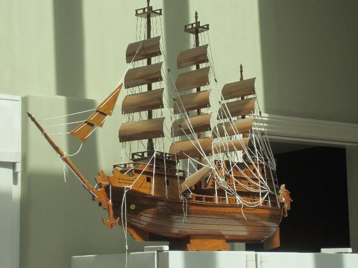 Large model boat over 3' in length