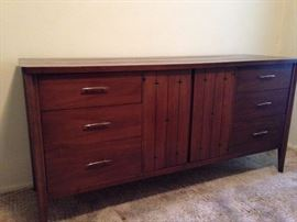 """Broyhill Saga Premier walnut chest. Mid century quality in excellent condition. star bust detailing L 62""""1/2 D 19""""1/4 H 31"""""""