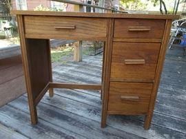 VINTAGE Oak Child's Desk - GREAT Condition......