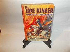 The Long Ranger Traps the Smugglers - with colorful Book Jacket - published in 1941 - great for Western collectors!!!!!!!!!