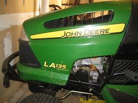 John Deere LA 135