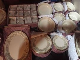 Lenox Castle Garden Serving for12 $700.00 or offer **BUY IT NOW PAYPAL** with Additional serving pieces