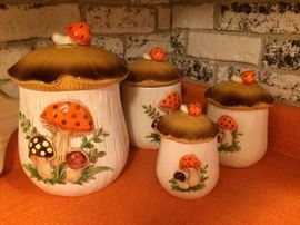 Super Vinatge Mushroom canister set. Nice condition