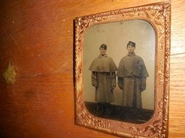 2 Union Soldiers