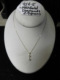 14kt Gold Necklace w/3 Diamond Pendant