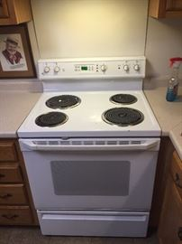 "30"" GE Electric Self cleaning Range"