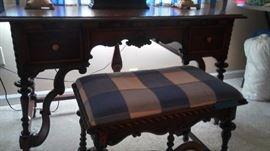 Sligh desk
