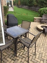 Outdoor pub table & chairs
