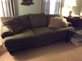 Great den sofa, fabulous condition and great color