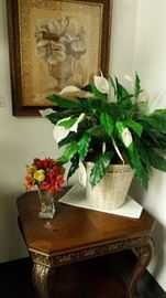 PICTURES, BEAUTIFUL TABLES, ARTIFICIAL PLANTS, DECORATOR ITEMS +++