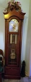 Howard Miller Serial 322900 Model 610-232  150h Westminster Chime Grandfather Clock (Works Great and Sounds Great)