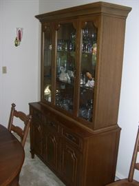 Dining Room Hutch**Perfect Condition**This piece is (2) pieces**Can be used as a Buffet!!