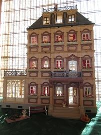 PLAYMOBIL MANSION WITH 4 STORY AND FULLY FURNISHED