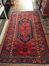 "Hand woven, 100% wool Persian Hamadan, measures 3' 5"" x 6' 3""."
