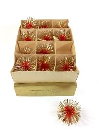 Edit  Lot of 12 beautiful vintage 1920s Made in Germany red and gold tinsel balls Christmas tree ornaments in excellent condition with original box.  Lot of 12 beautiful vintage 1920s Made in Germany red and gold tinsel balls Christmas tree ornaments in excellent condition with original box.