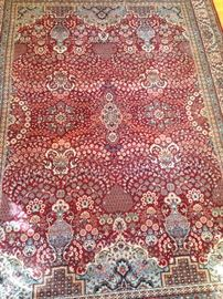 Many nice rugs and carpets of several sizes