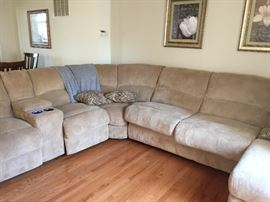 Forest Hill Reclining Sectional Sofa Chaise.  Practically new from Belfort Furniture.