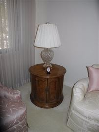 Round end table with amazing crystal lamp!