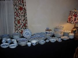Sample of Meissen Blue Onion most with crossed sword mark